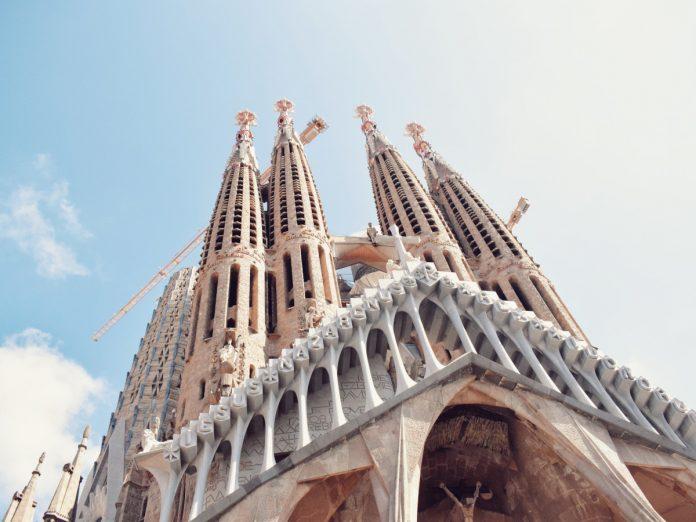 Sagrada Familia. Barcelona / Foto: Med Edd (unsplash)