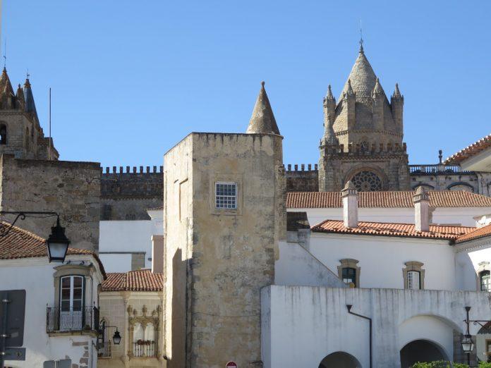 Porta de Moura, Évora / Foto: Eduardo Azcona