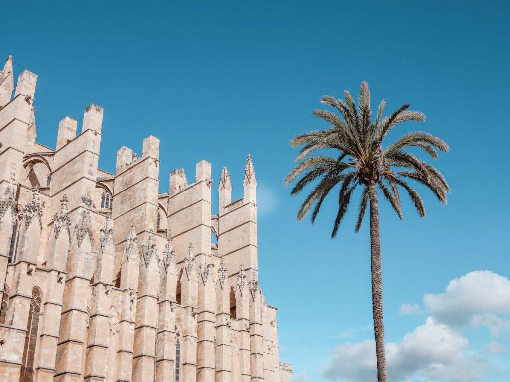 Catedral-Basílica de Santa María de Mallorca, Palma / Foto: Anqi lu(unsplash)