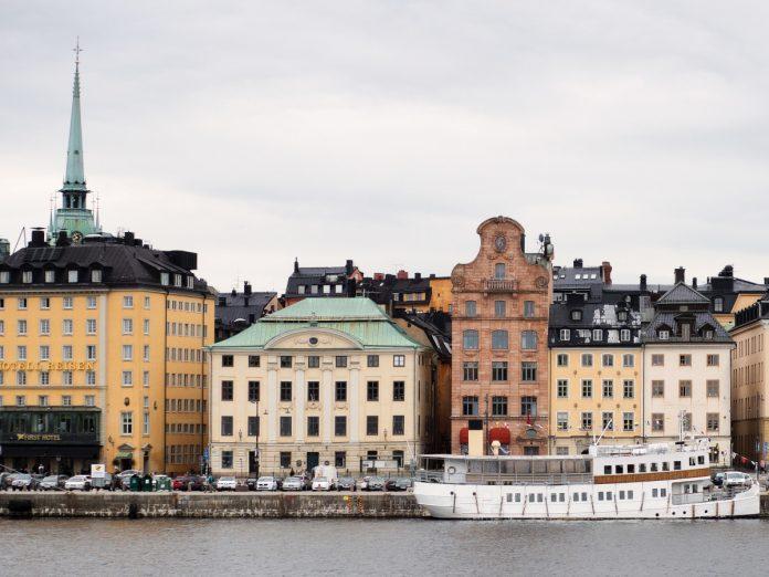 Gamla stan, Estocolmo, Suecia / Foto: Jon Flobrant (unsplash)