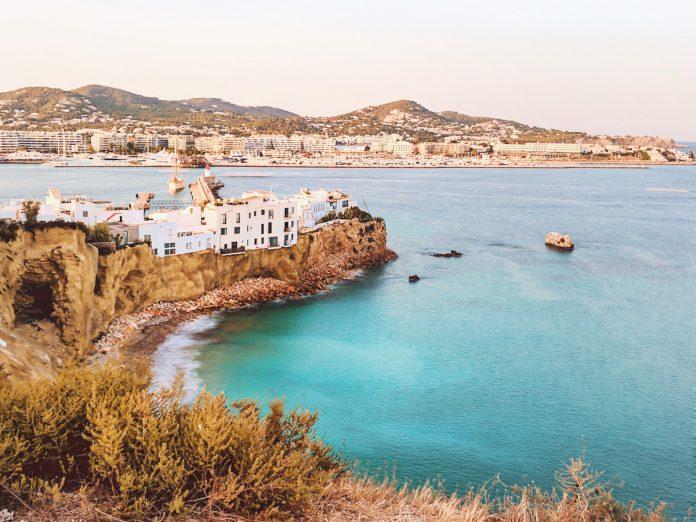 Ibiza, Baleares / Foto: David Svihovec (unsplash)