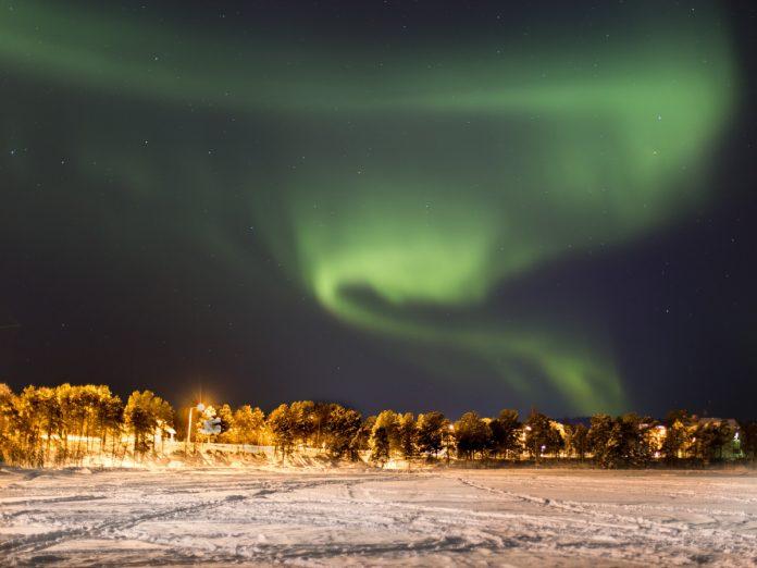 Las auroras boreales en Laponia / Foto: Ozgu Ozden (unsplash)