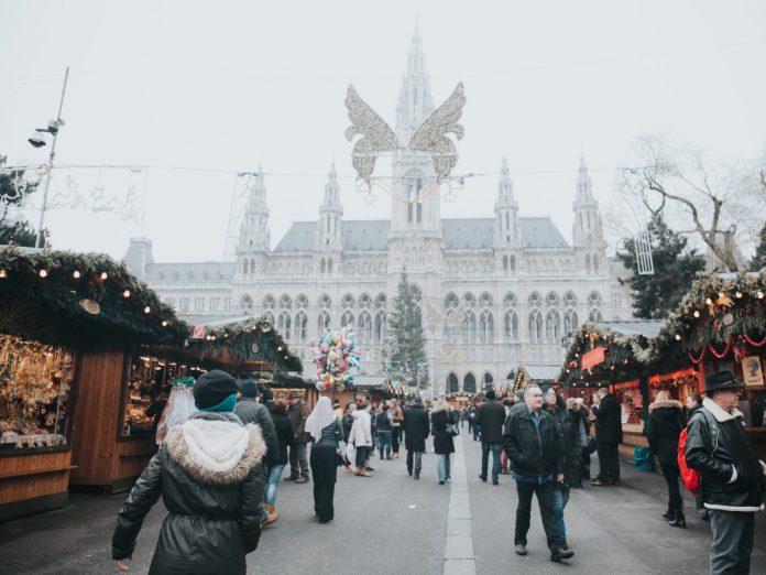 Mercado de Navidad en Viena / Foto: Alisa Anton (unsplash)
