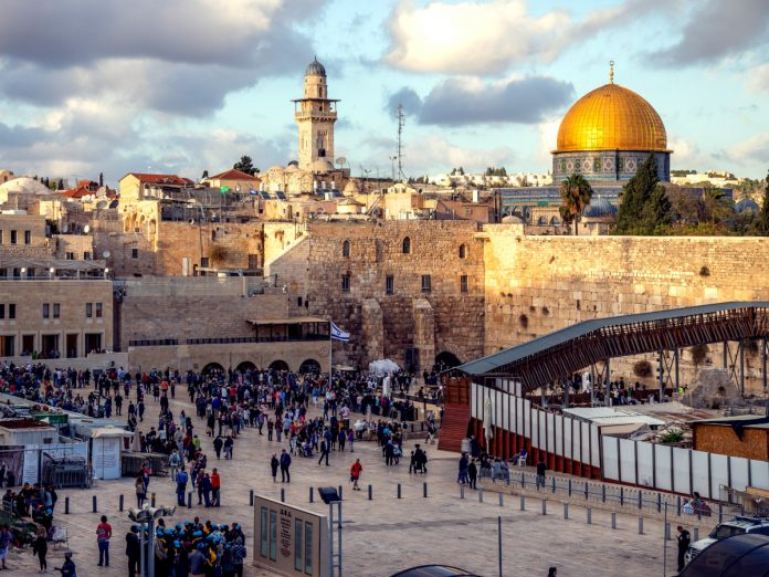 Muro Occidental, Jerusalén, Israel / Foto: Sander Crombach (unsplash)