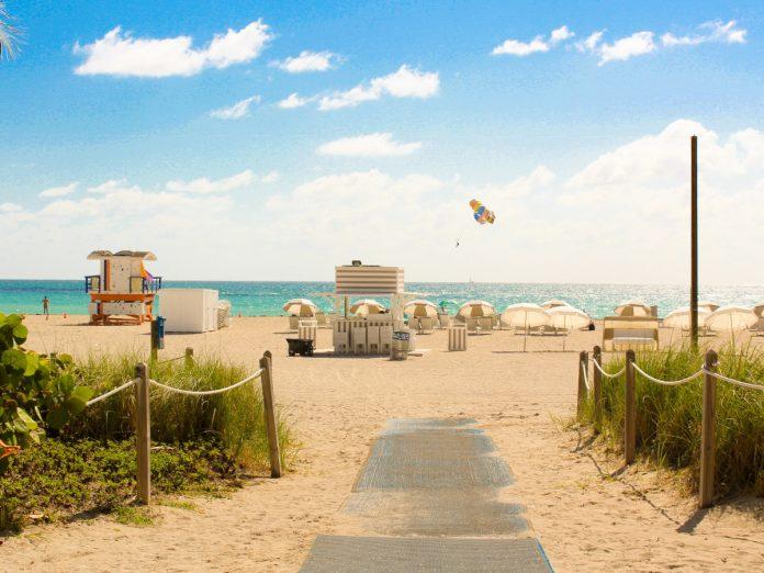 Playas de Florida / Foto: Joel de Vriend (unsplash)