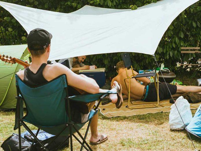 Silla de camping / Foto: Daan Stoof (unsplash)