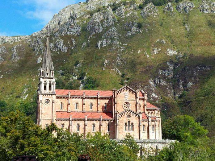 Santuario de Covadonga / Foto: akongs (Pixabay)