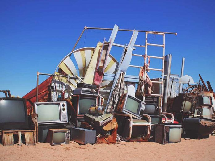 Cómo deshacerte de tus cosas para preparar para el van life / Foto: Ann Kathrin-bopp