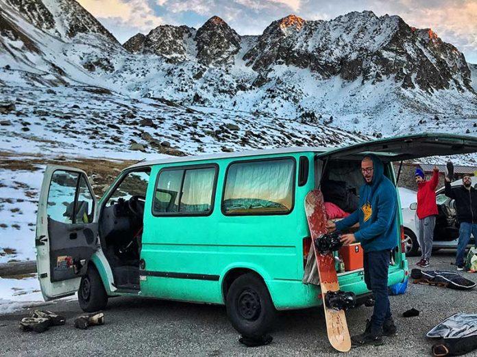 Formas de mantener el calor en tu furgoneta este invierno / Foto: Victor Zamora (unsplash)