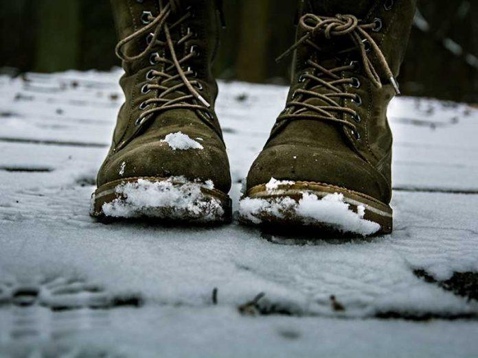 Las mejores botas de invierno para viajar / Foto: Arunas Naujokas (unsplash)