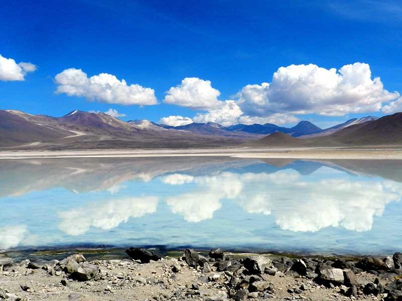 Salt Flats, Uyuni, Bolivia / Foto: Ken Treloar (unsplash)
