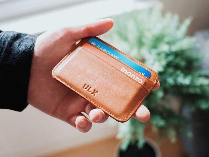 Mejores carteras con bloqueo RFID / Foto: Oliur (unsplash)
