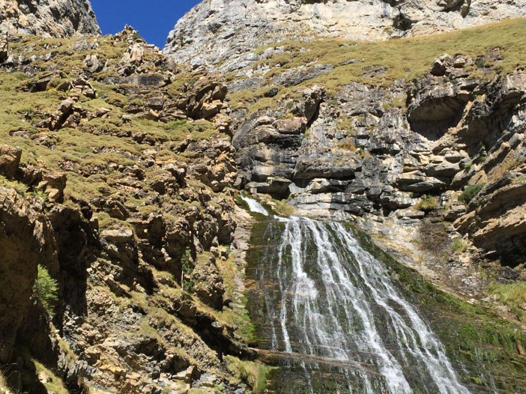 Cascada de la Cola Caballo en Ordesa y Monteperdido / Foto: StrongNet [CC BY-SA 4.0] Wikimedia Commons
