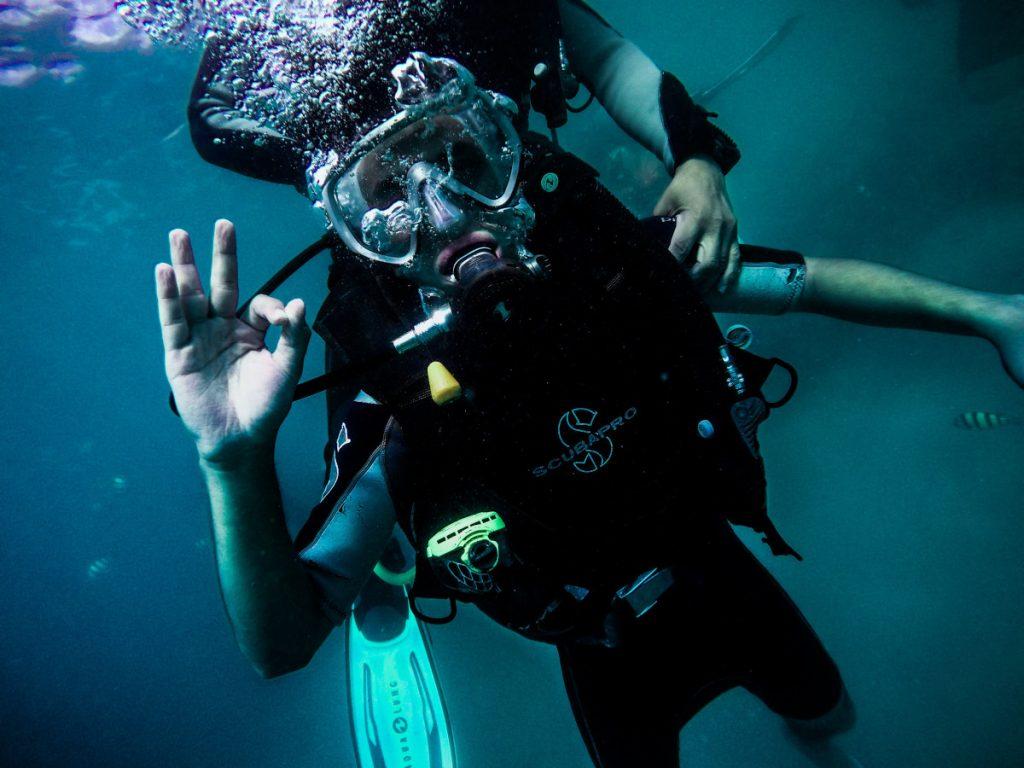 Buceo en el Mar Rojo / Foto: Anurag Harishchandrakar (unsplash)
