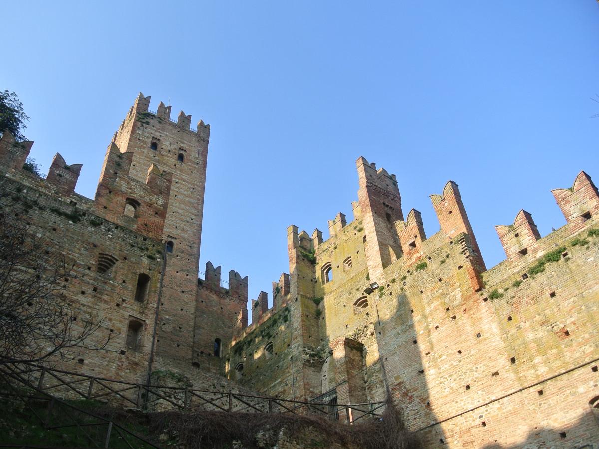 Castell'Arquato Harrie Gielen [CC-BY-SA-3.0](Wikimedia Commons)
