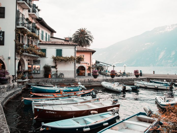 Lago di Garda / Foto: Benjamin Voros (unsplash)