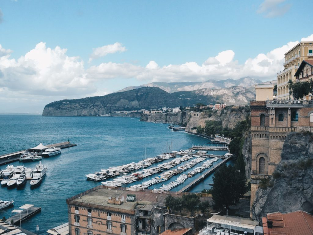 Sorrento, Italia / Foto: Alicia Steels (unsplash)