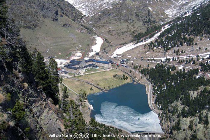 Valle y Santuario de Nuria / Foto: Till-F.-Teenck-[CC-BY-SA-3.0] Wikimedia Commons