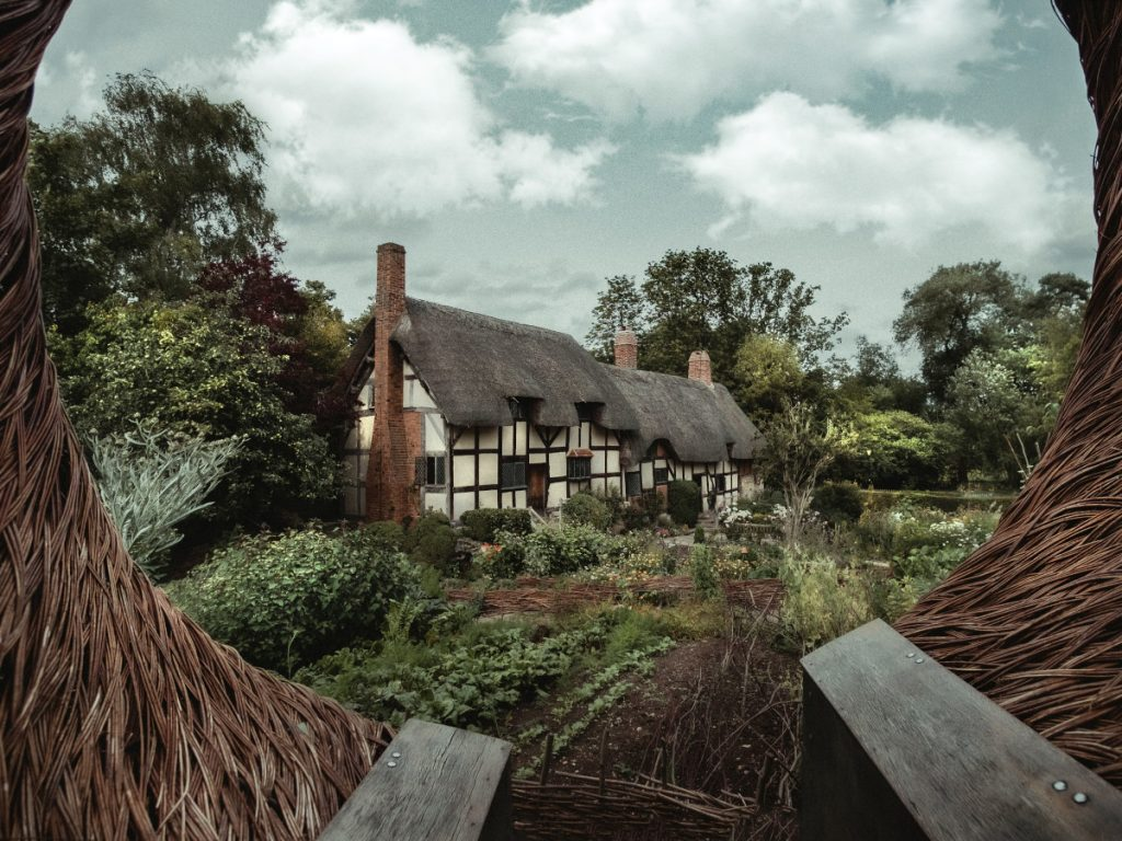 Anne Hathaways Cottage / Foto: Zoltan Tasi (unsplash)