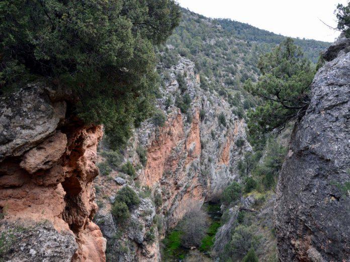 Ruta de los Estrechos del Ebrón, en Tormón (Teruel). Foto. Alfredo SÁNCHEZ GARZÓN, (CC BY-SA) via Wikimedia Commons